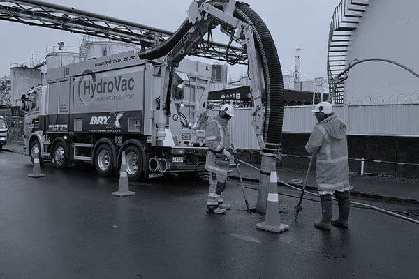 HydroVac team members performing an Air Excavation